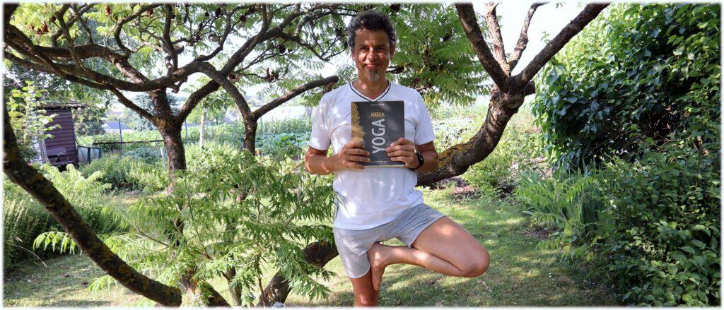 Günter, Baum und Hatha Yoga Buch